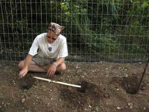 mike-digs-holes