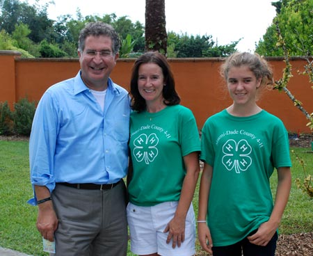 Congressman Joe Garcia makes friends with 4-H members.